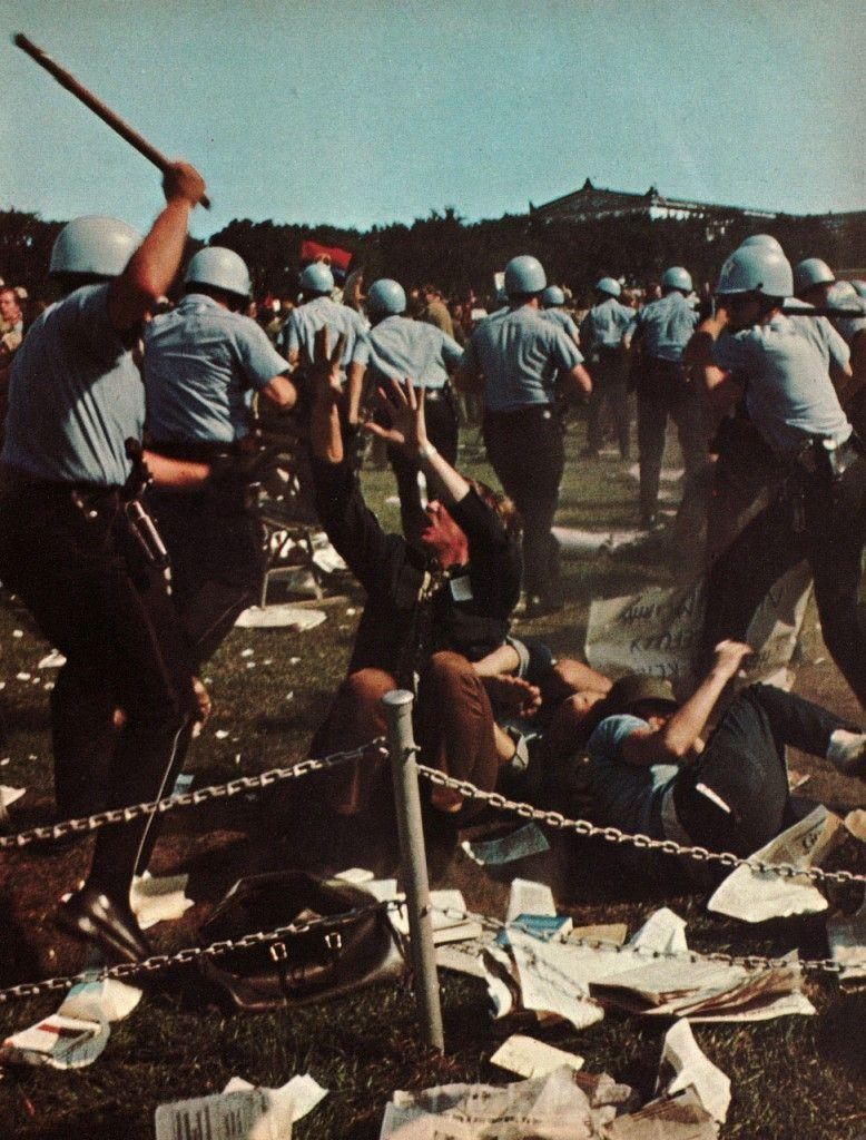Carga policial en la convención del Partido Demócrata, Chicago (1968).